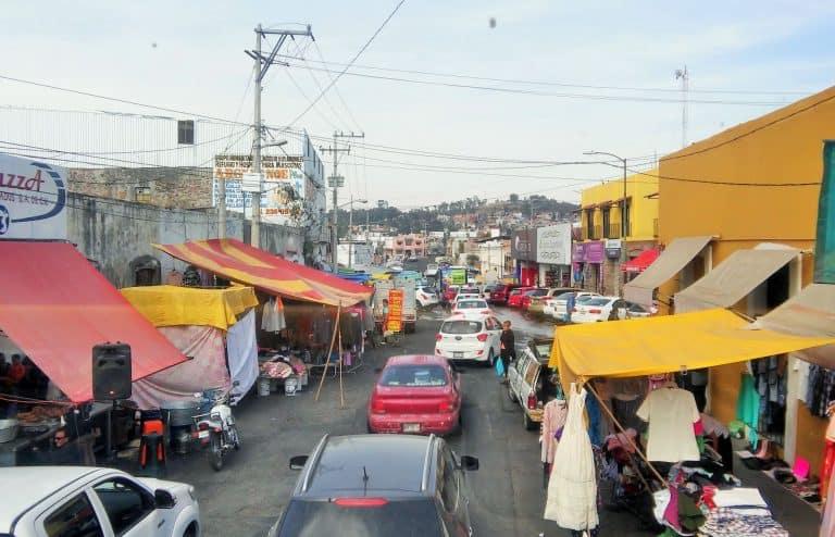 Puebla residential neighbourhood traffic, Mexico