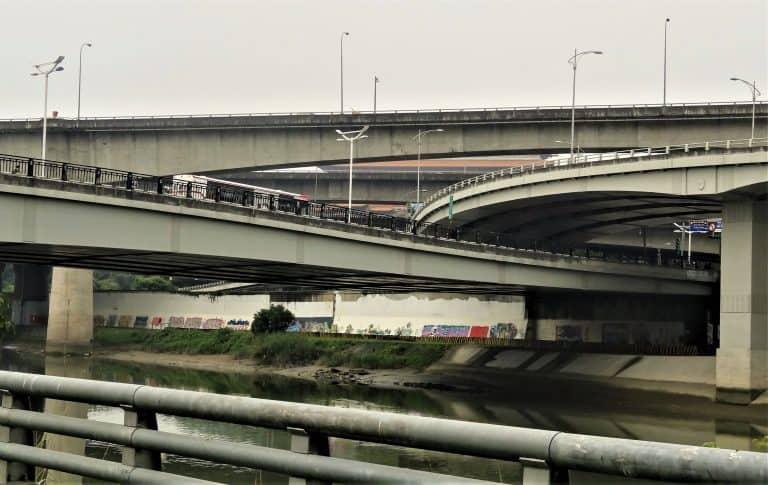 Taipei riverside transport infrastructure dominance & impermeability